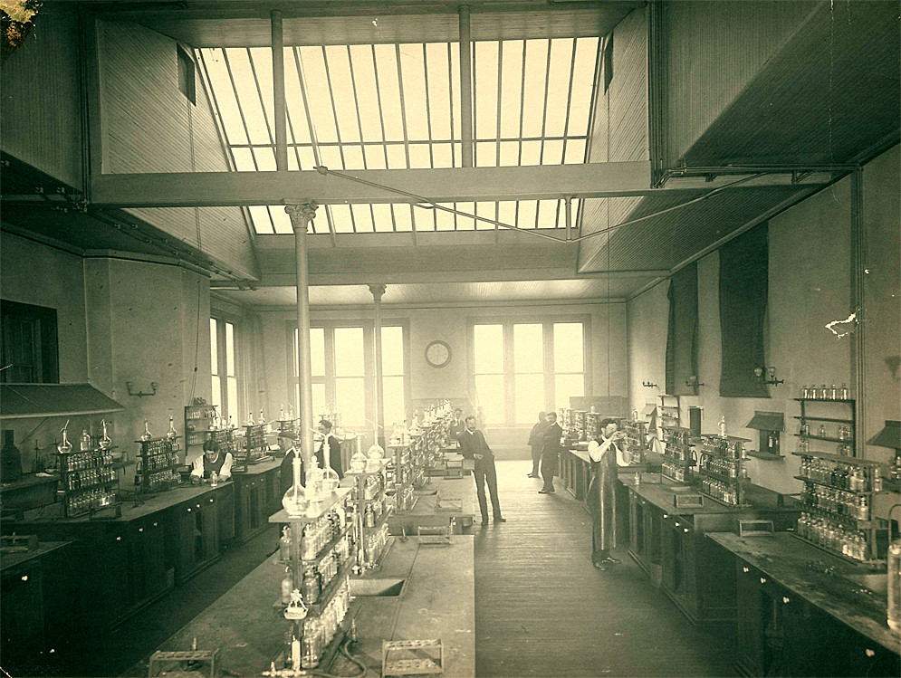 Free Academy Chemistry Lab